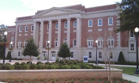 Foster_Auditorium_Malone_Hood_Plaza_University_of_Alabama